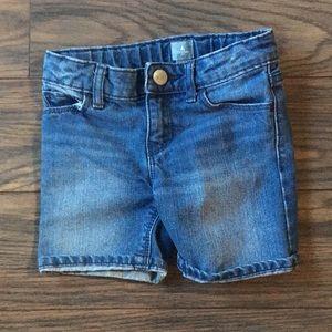 Baby gap denim shorts 4 years.